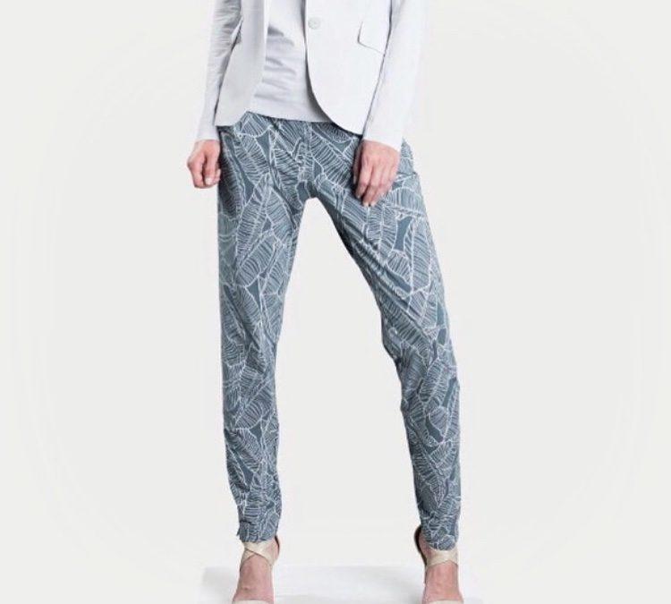 Een zakelijke pyjamabroek?